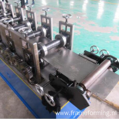 High speed 50-70-100 profile machine suspended ceiling channel roll forming machine