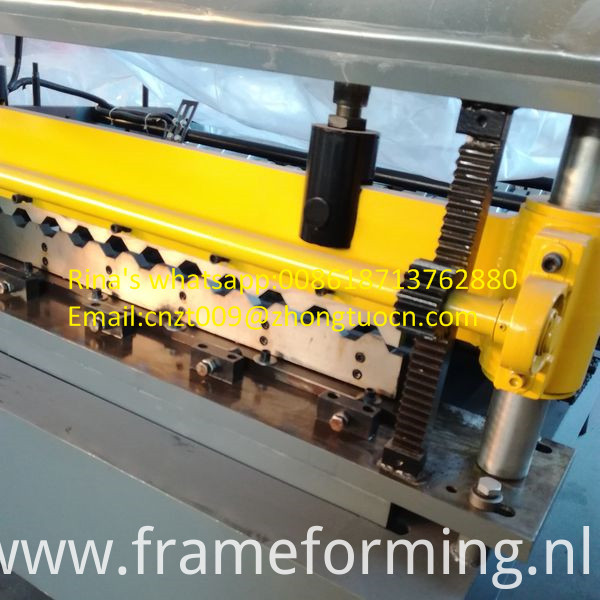 high quality roofing sheet roll forming machine 1