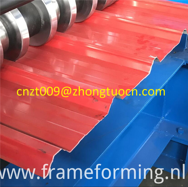 roof tile roll forming machine 10