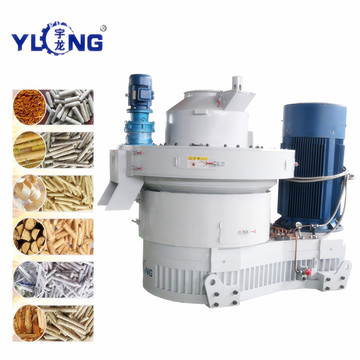 Machine for pressing biomass pellets
