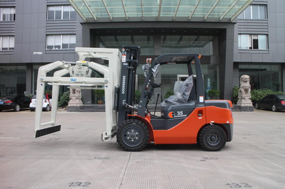 Forklift With Overhead Block Clamp