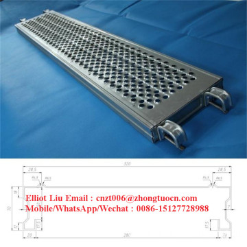 Scaffolding plank roll forming machine