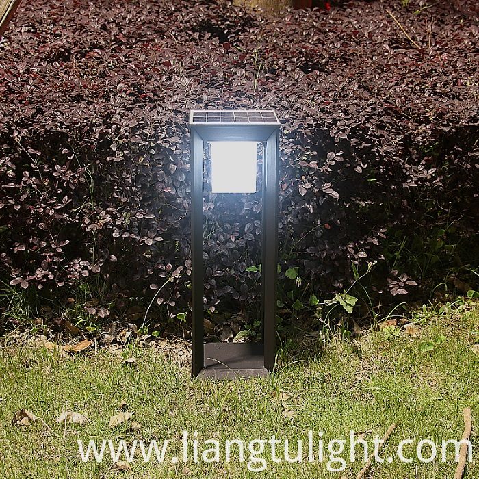 Outdoor Solar Lawn Light