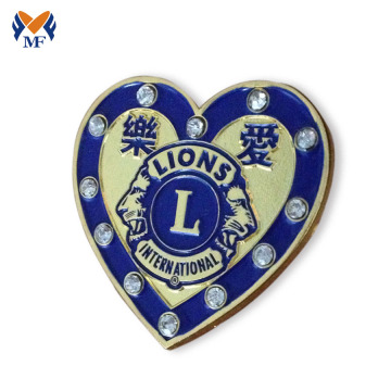 Heart shape decoration lion pin badge