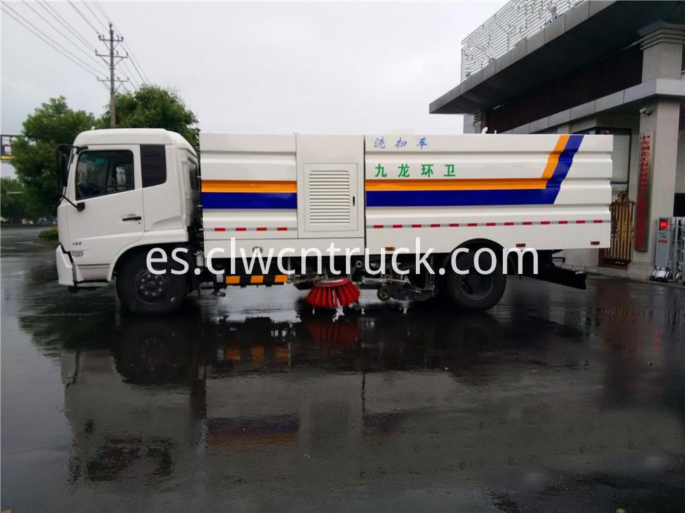 Cleaner Sweeper Truck 4