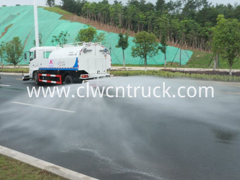 high pressure water jetting truck working 9