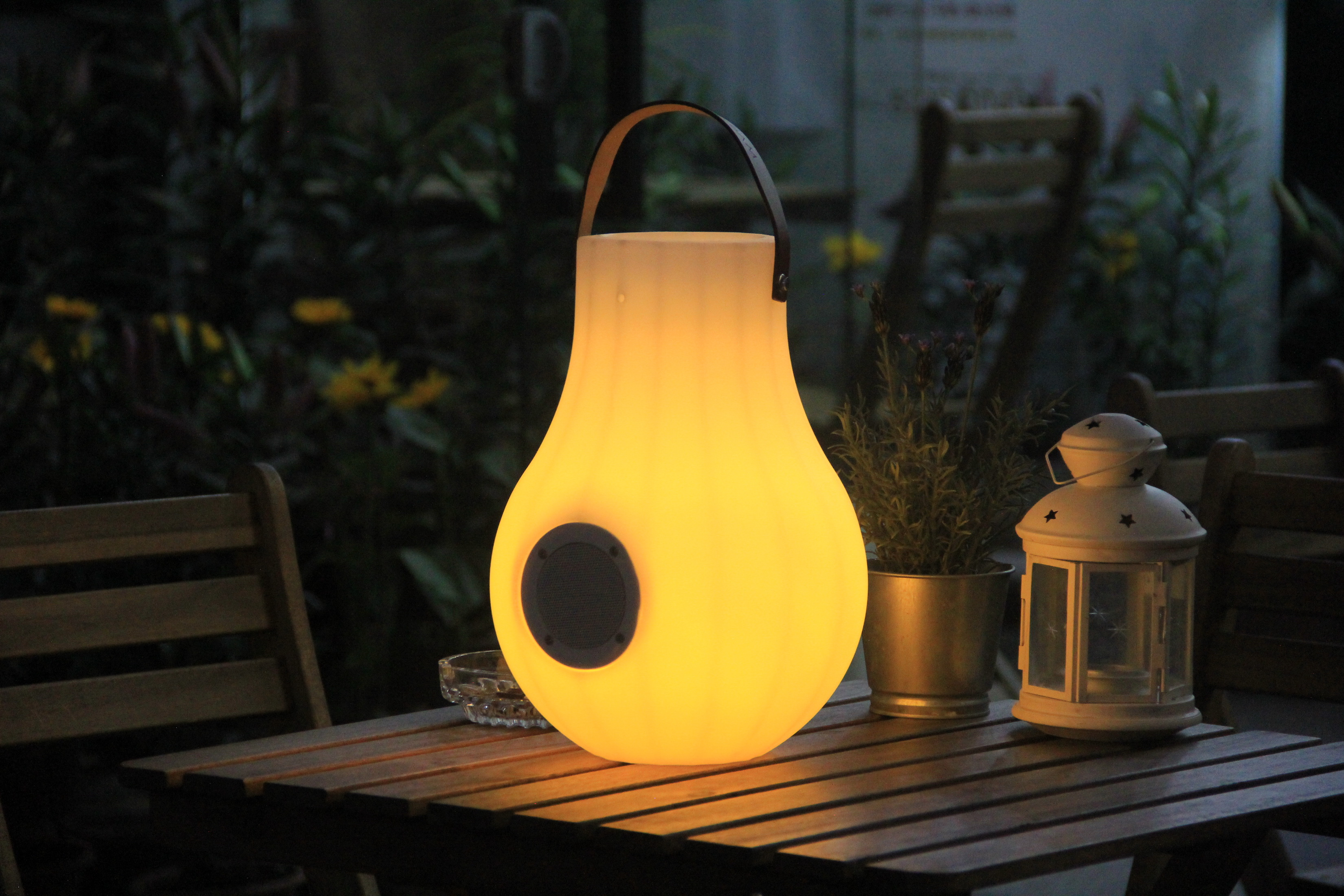 Led Lamp Bluetooth Speaker with Bucket