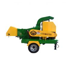 Diesel engine mobile wood chipper