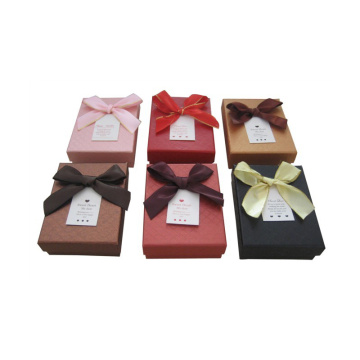 Small paper gift boxes with lids