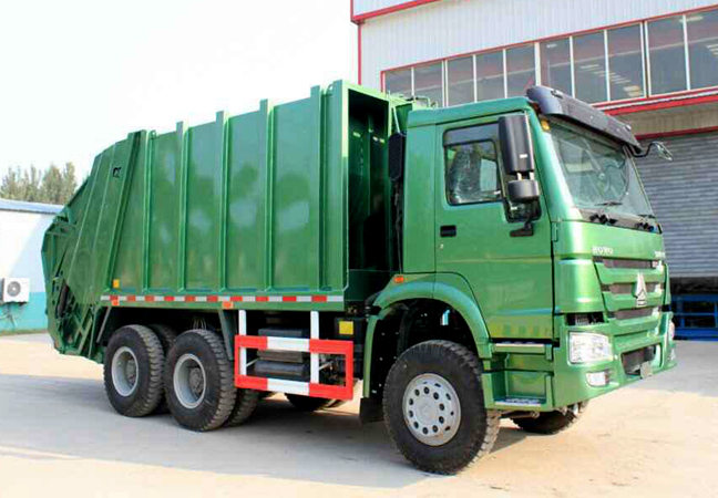 Green Color Compressed Garbage Truck