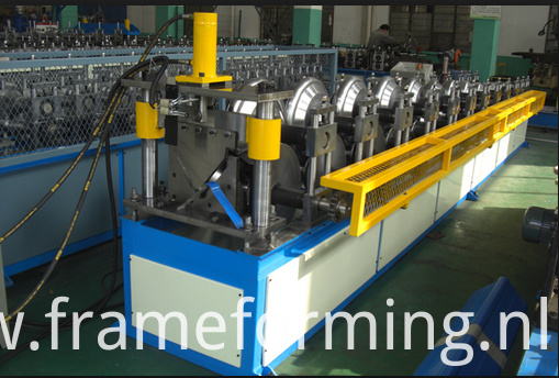 Step Tile Ridge Cap Forming Machine 02