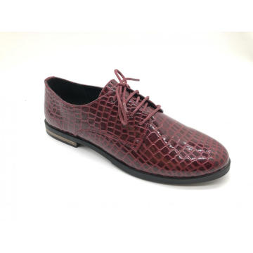 Ladies PU Perforated Wingtip Lace up Flats Shoes
