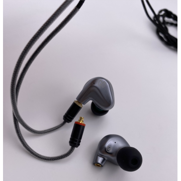 HiFi in-Ear Monitors for iOS and Android