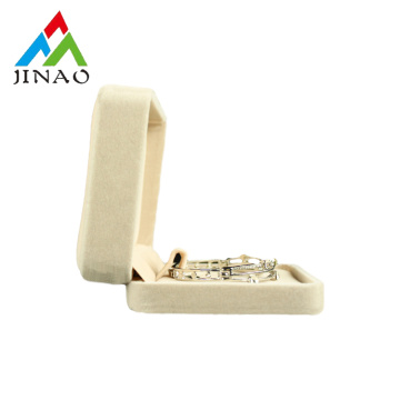 Beige Smooth Velvet Jewelry Packaging Box für Armreif