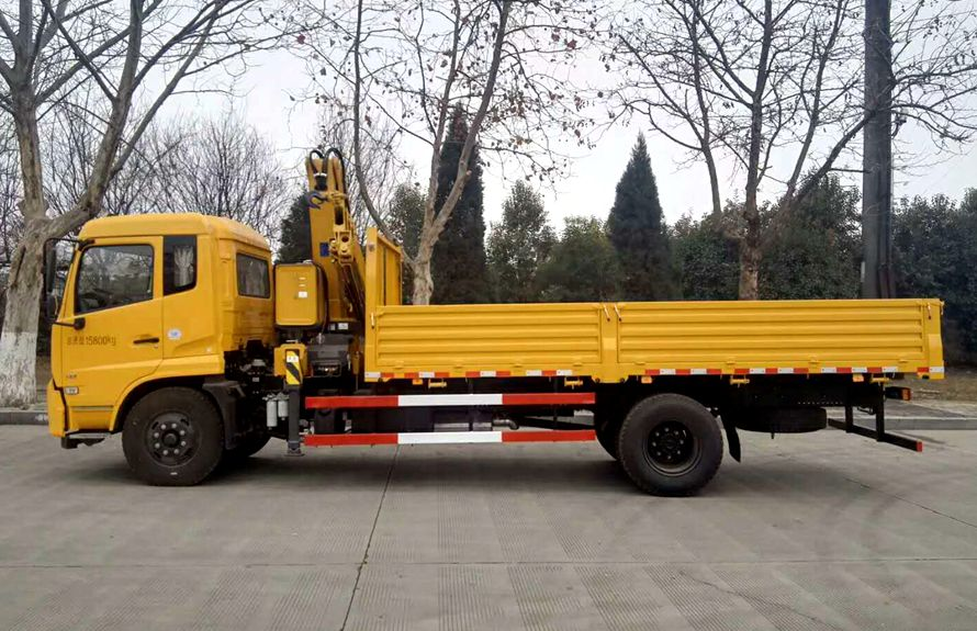 top lift crane trucks 3