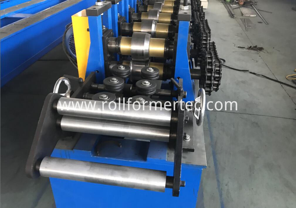 custom made J profile rollforming line (6)
