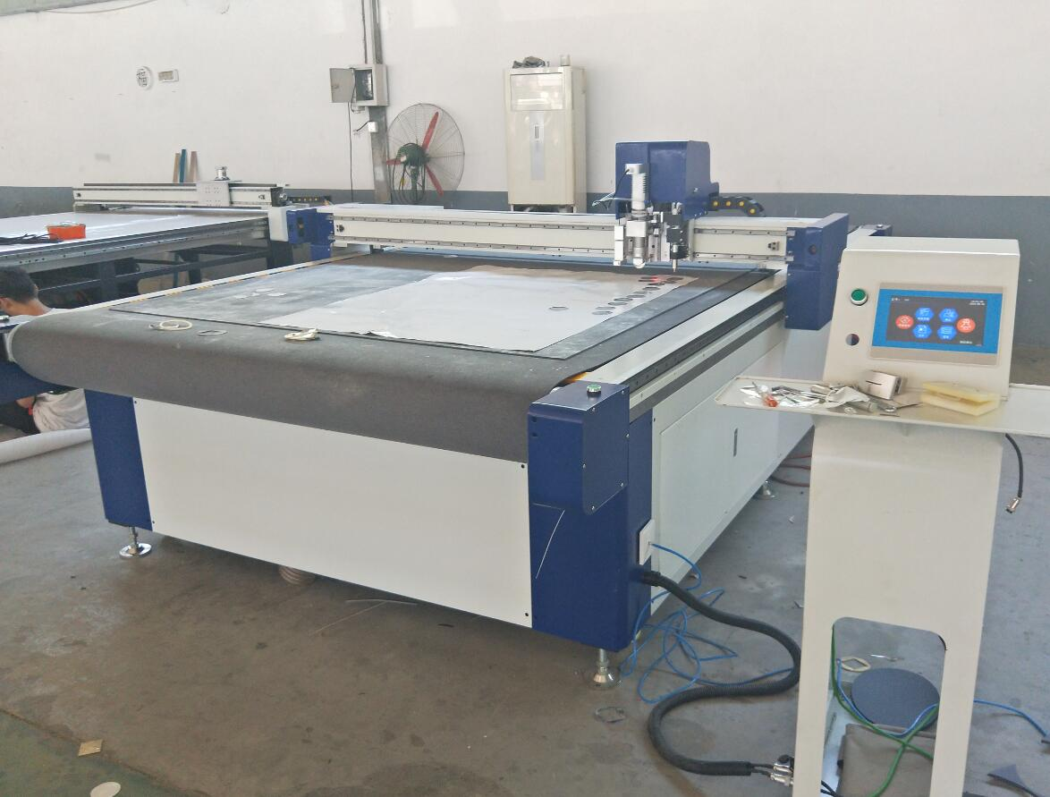 cnc knife cutting machine for clothes