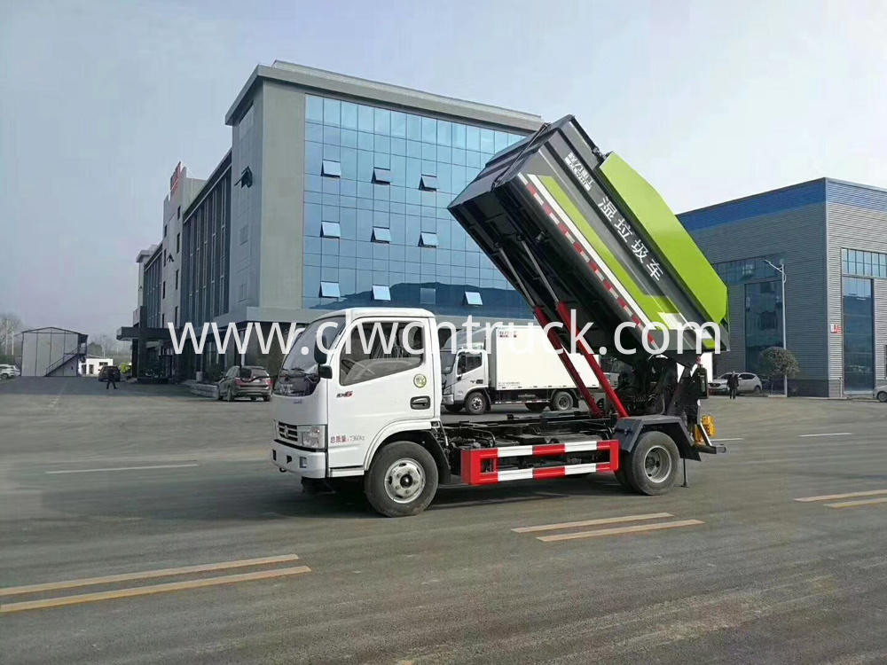 Rear Loader Compactor Truck