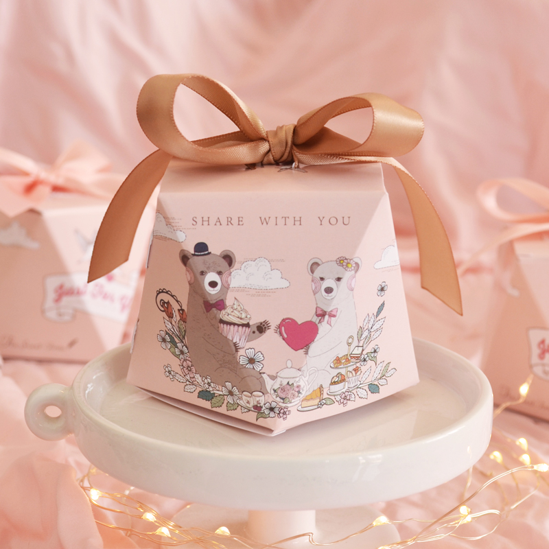 Decorative small pink candy packaging box