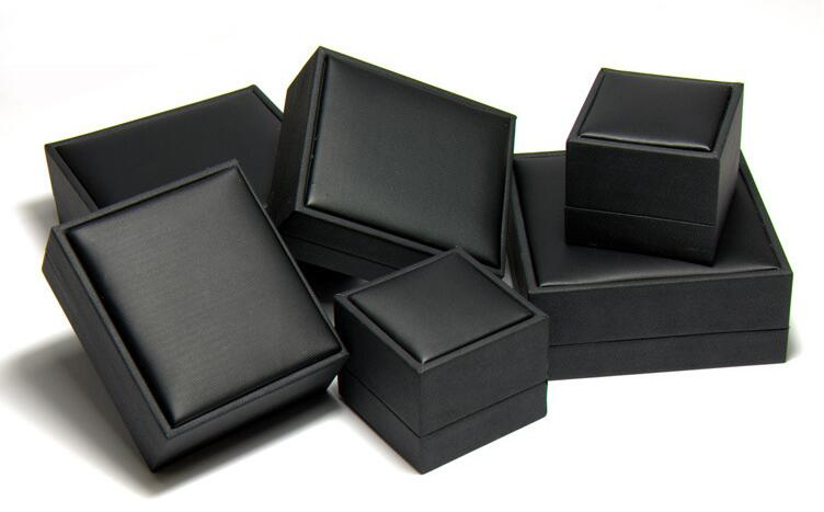 Leatherette Jewelry Gift Box1 3