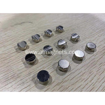 Magnets With Grooved Surface