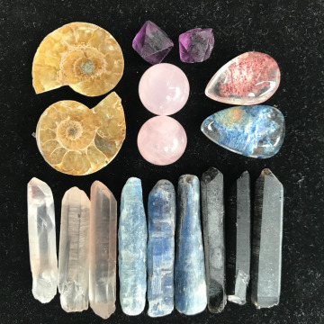 17pcs combination of natural quartz crystal mineral rough specimens 60-70g