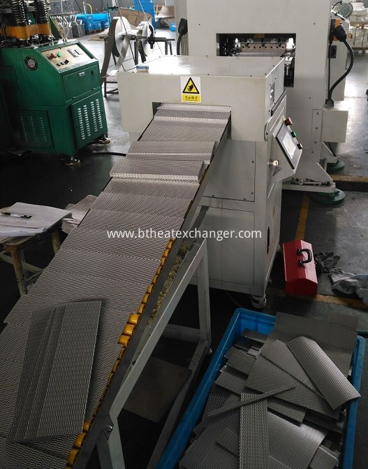 Fin Machine servo cutter 2