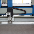 Cnc oscillating knife genuine leather cutting machine