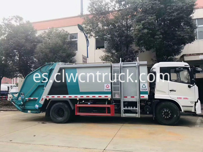 waste collection truck 3