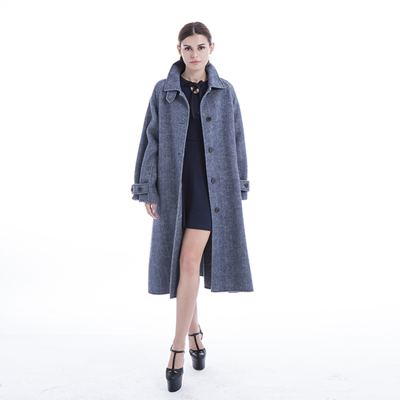 Classic style cashmere overcoat of 2019