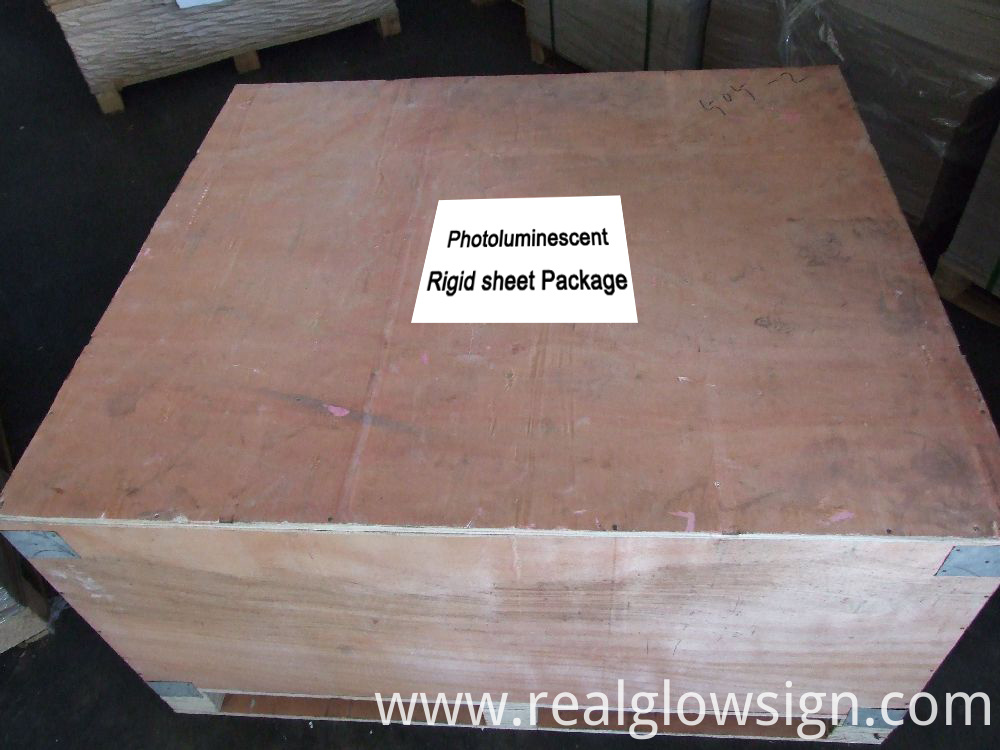 photoluminescent-rigid-sheet-package