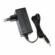 8.4V1A EU Wall Power Adapter 18650 Charger Baterai