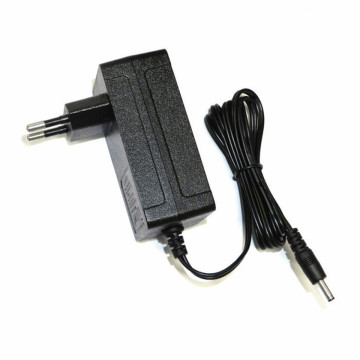 8.4V1A EU Wall Power Adapter 18650 Battery Charger