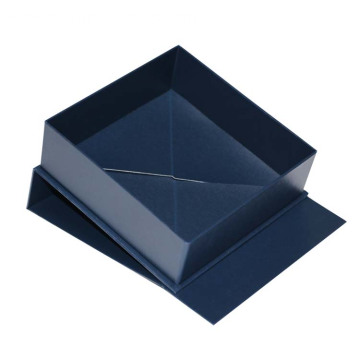 Collapsible Box Packaging with Magnet