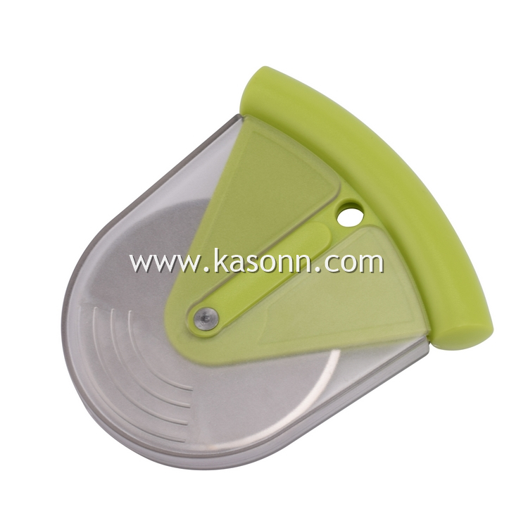 Pizza Cutter With Cover