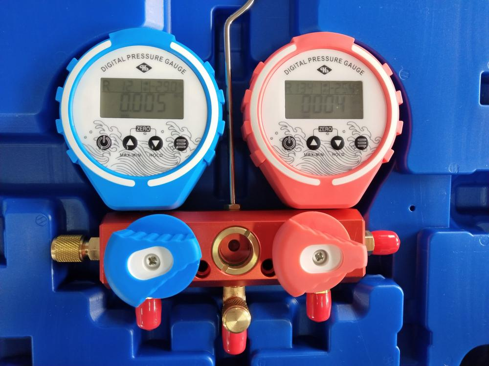 Accurate Digital Manifold Gauge