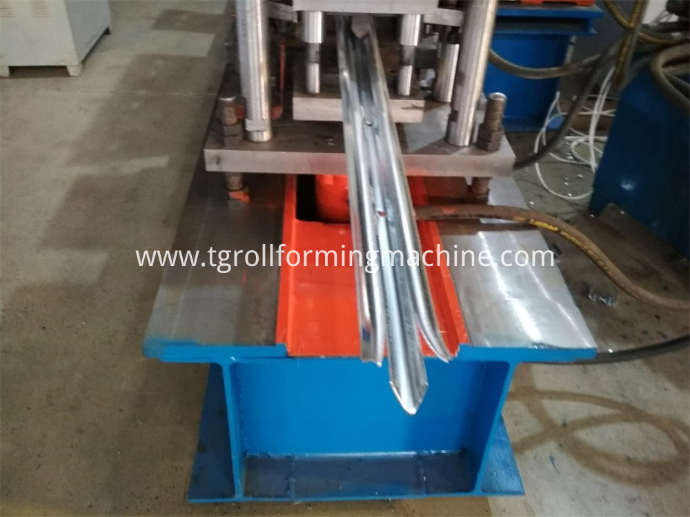 Steel Palisade Machine