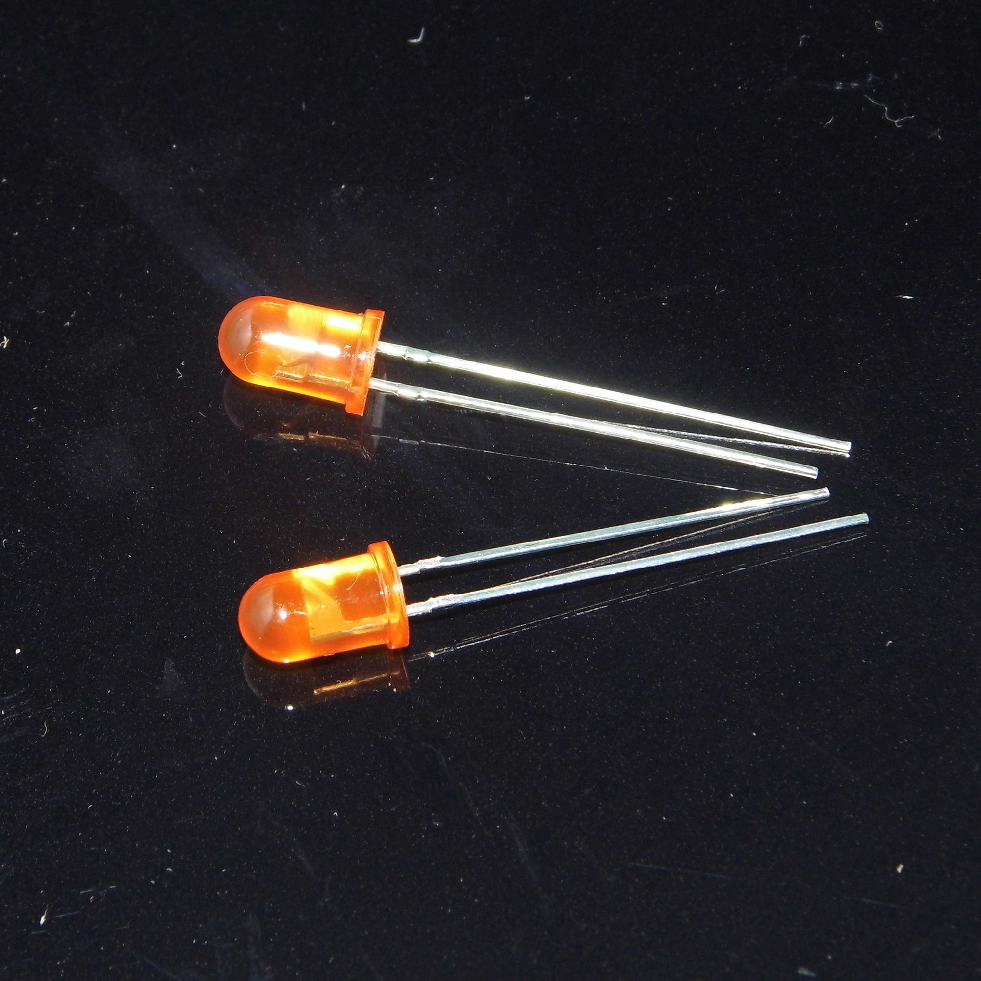 Amber diffused 5mm led