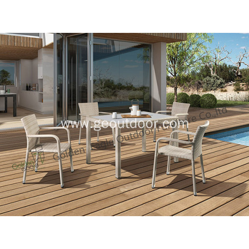 Outdoor Patio Furniture 7 piece table and chairs
