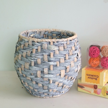 Round water hyacinth decorative woven basket