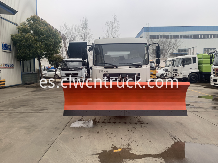 street sweeper cleaning truck 3