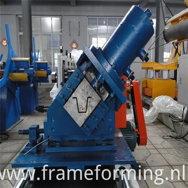 light keel roll forming machine (10)