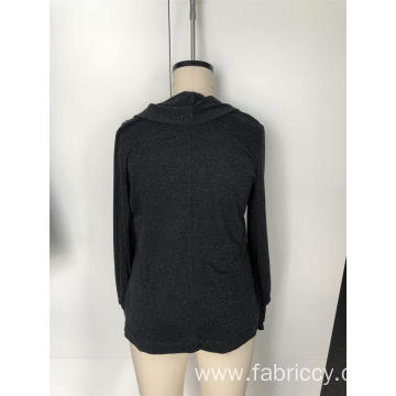 A long sleeve with a knitted collar