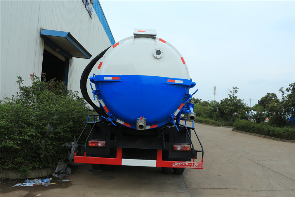sewage suction truck 4