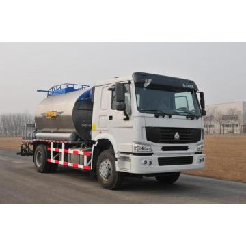 Asphalt distributor for road construction 8000