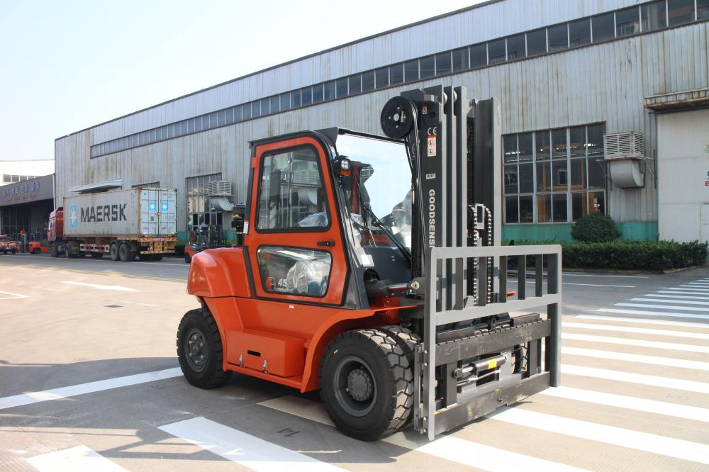 5.0 Ton Diesel Forklift With Cabin