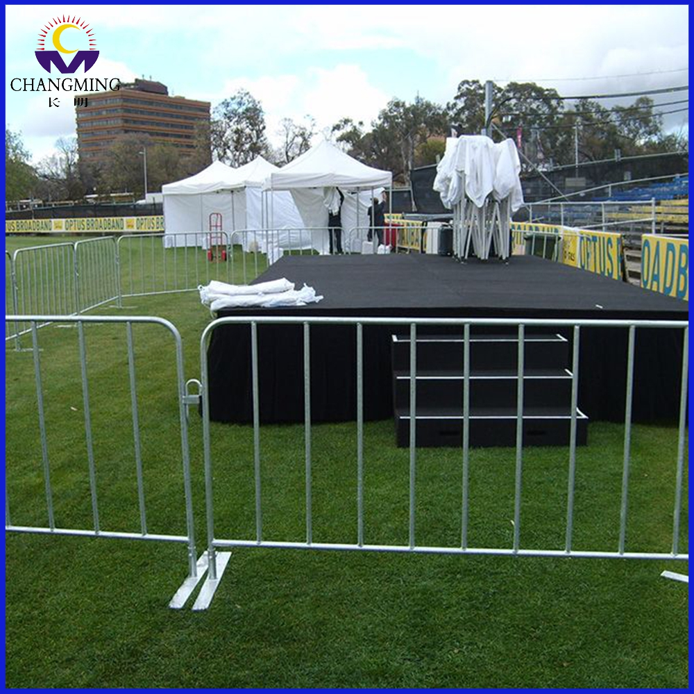 Mobile Steel Frame Galvanized Pipe Crowd Control Barrier