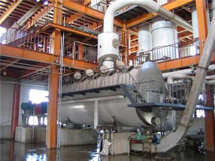 Desolventizing is an important processing. Firstly we convey soybean protein concentrate to twin-screw extruders for getting the moisture of products down to 50%-55%