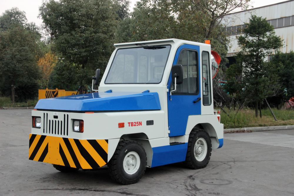 Towing Tractor With Air Condition