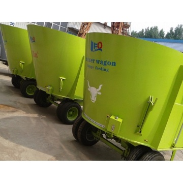 Single auger tmr feeding mixer machine